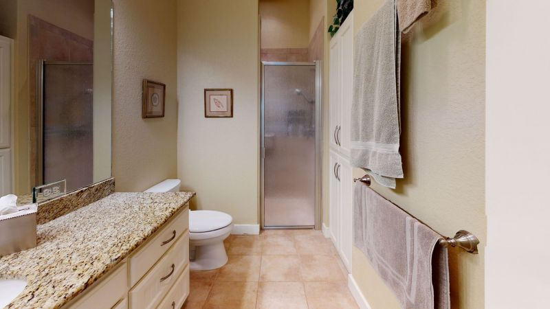 65-web-or-mls-44Sattler-Rd-Barn-Apt-Bathroom